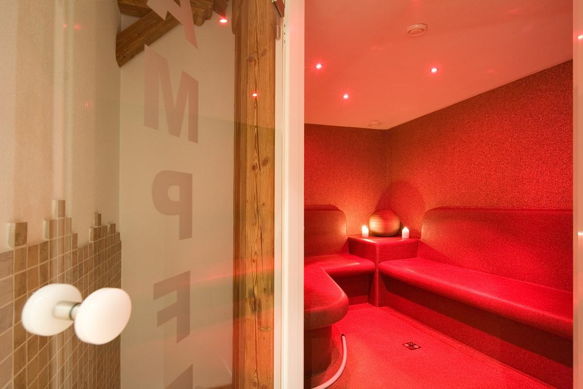 wellness hotel obermair fieberbrunn in den kitzb heler alpen tirol. Black Bedroom Furniture Sets. Home Design Ideas